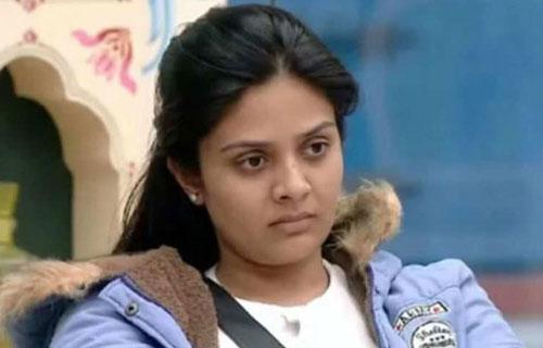Sree Mukhi upset with her fans behaviour