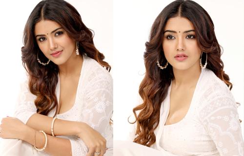 Malvika Sharma Glamorous Photos